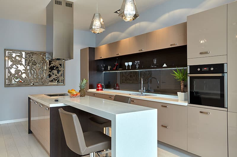 Compact Island Blends Smoothly With The Kitchen Walls Provides Ample Space For Dining