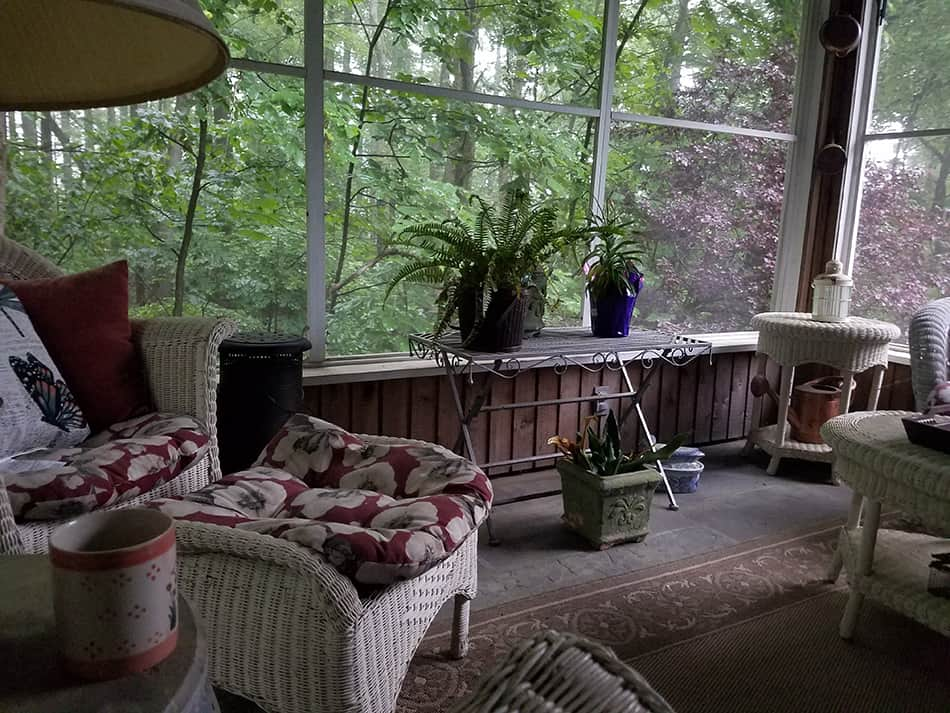 Comfortable Coffee Room