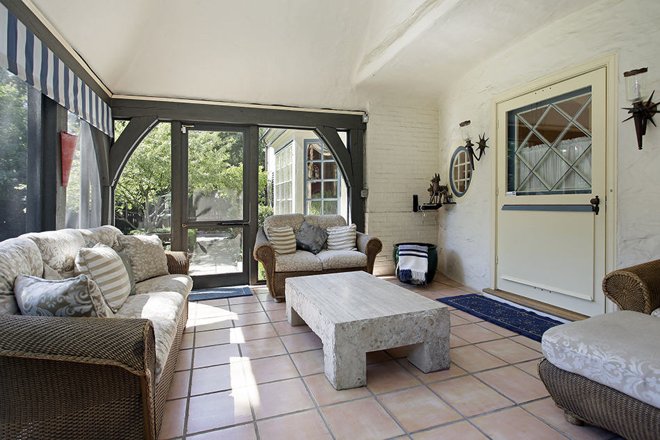 Large Sitting Area with Tile Floor
