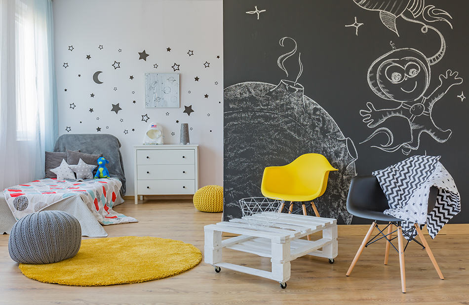 Personalize Your Wall with a Chalkboard
