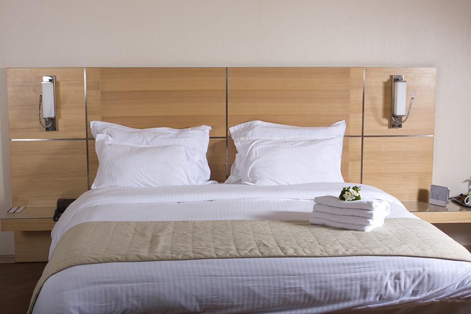 Basic King-Size Bed