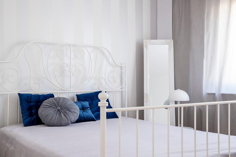 Metal King-Size Bed