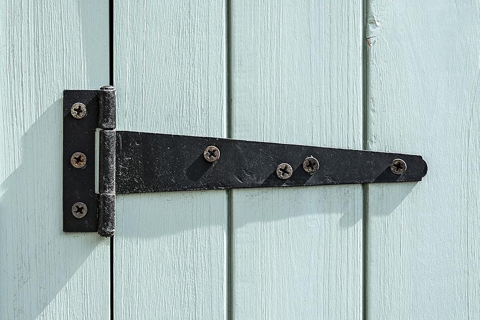 Can I Paint Door Hinges?