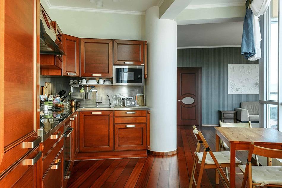 Dark maple or pale mahogany cabinets