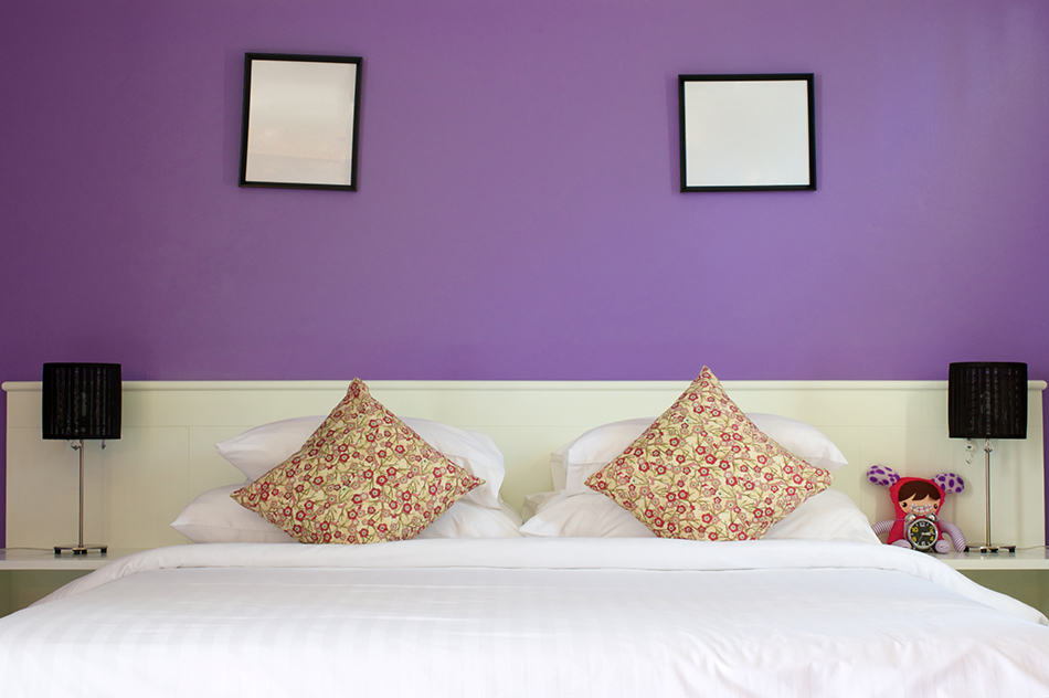 Purple and White for Small Bedrooms