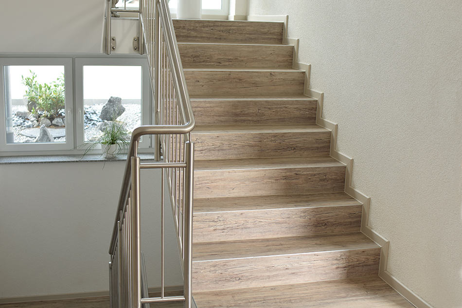 8 Amazing Types Of Flooring For Stairs, Vinyl Laminate Flooring On Stairs