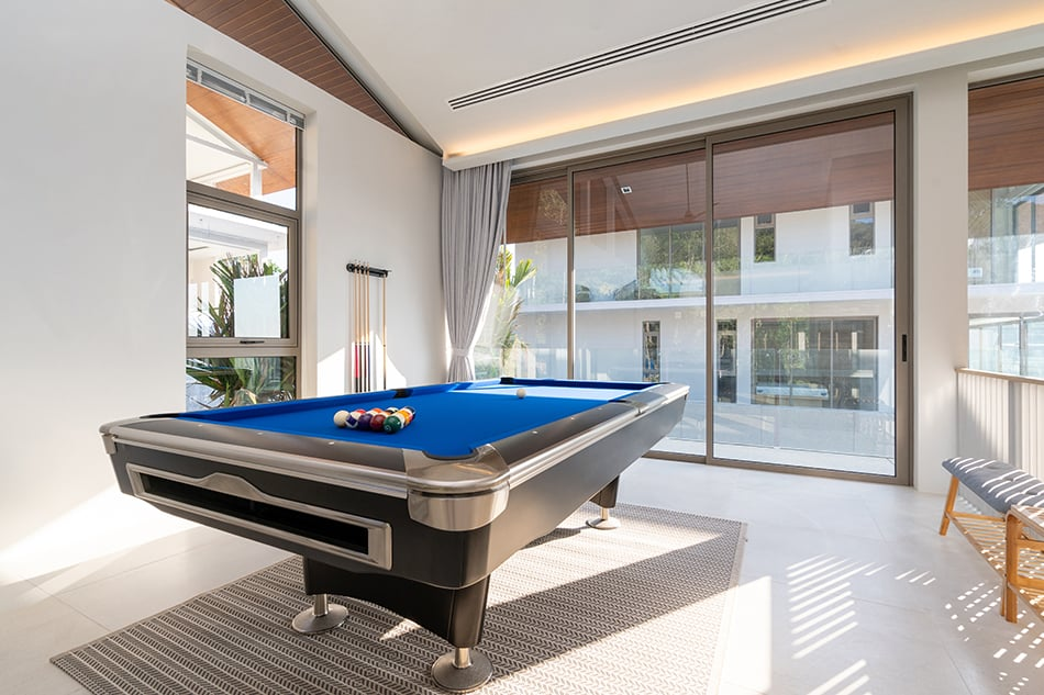 Pool Tables According to Features