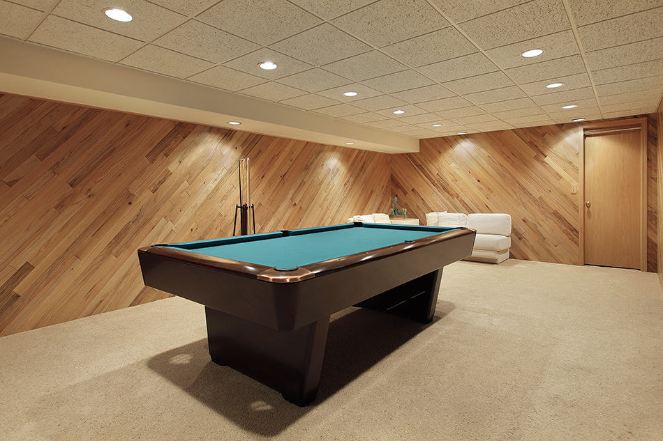 Keep the Billiard Room Clean, Contemporary and Simple