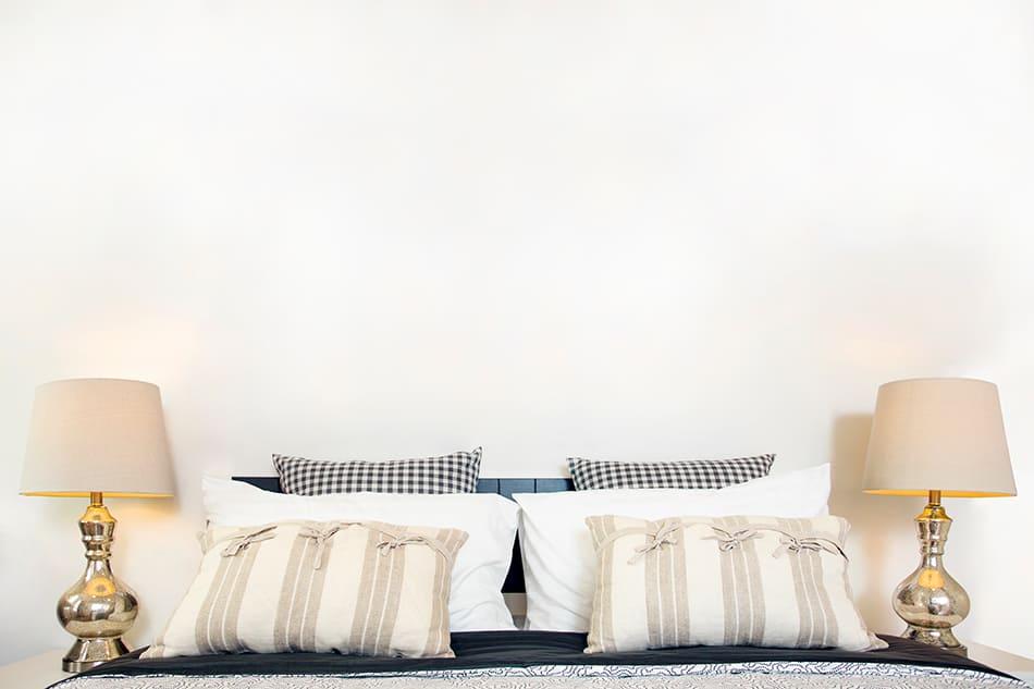 Should Bedside Lamps Be Identical?