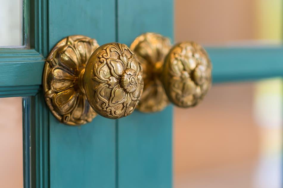 What is a Dummy Doorknob?