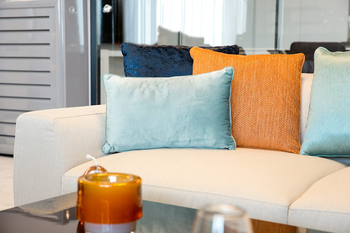 Contrasting Pillow Colors
